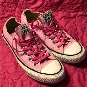 Converse All-Star size 9 pink with stretch laces